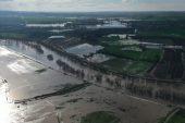 Köy yolları ile tarım arazileri su altında kaldı!
