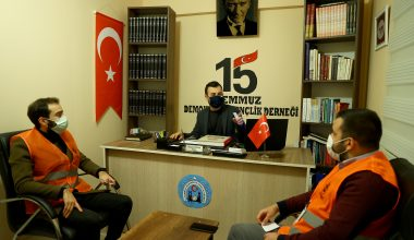 """Vefa Sosyal Destek Grubu gönüllüsü avukat """"iyilik mesaisi""""nde"""