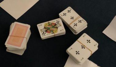 Emlakçı bürosunda kumar oynayan 10 kişi yakalandı