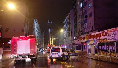 Çatı yangını itfaiye ekiplerince söndürüldü