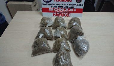 Otomobilde 1 kilogram uyuşturucu…