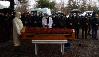 Topkapı Sarayı Müzesi eski müdürlerinden Dr. Filiz Çağman toprağa verildi
