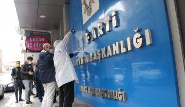 İş yerlerinin camlarına ve AK Parti tabelasına zarar veren şüpheli yakalandı