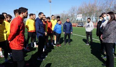 Başkan İba Edirnespor antrenmanını ziyaret etti