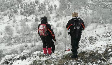 Kayalıklarda mahsur kalan kişiyi AFAD ekipleri kurtardı