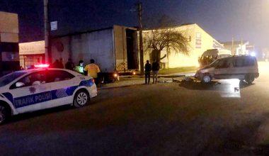 Kamyonla çarpışan hafif ticari aracın sürücüsü yaralandı