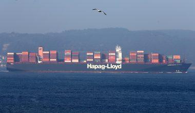 Dev gemilerin geçişi nedeniyle 14 saat tek yönlü trafiğe kapandı