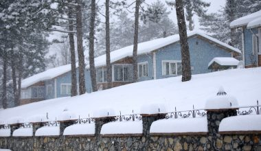 Kırklareli'nin yüksek kesimlerinde kar yağışı etkisini artırdı