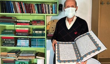 Salgın döneminde eve kapanan emekli Lokman amca iki Kur'an-ı Kerim yazdı