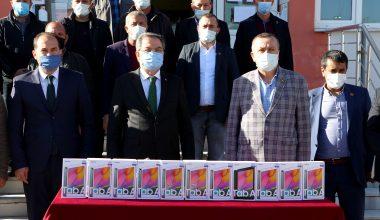 Süt üreticilerinden köy okuluna tablet bağışı