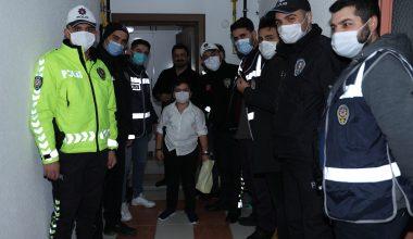 9 yaşındaki Uras Memiş'e polislerden sürpriz doğum günü
