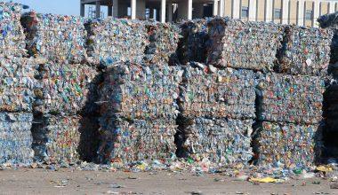 Atık pet şişelerden üretilen ürünler 15 ülkeye ihraç ediliyor