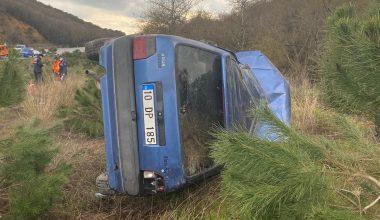 Şarampole devrilen aracın sürücüsü yaşamını yitirdi