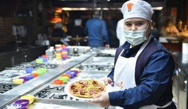 Dünya Down Sendromu Farkındalık Günü dolayısıyla pizza etkinliği