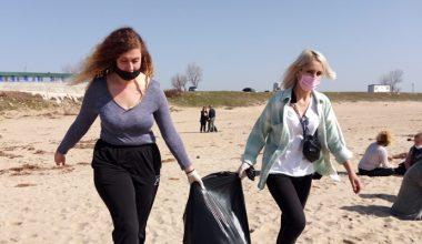 Enez, Atina ve Selanik sahillerinde eş zamanlı çöp toplandı