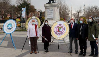 Edirne'de sağlıkçılar,  pandemi kurallarına uymanın önemini vurguladı