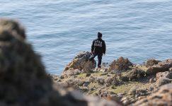 Gökçeada açıklarında teknenin batması sonucu kaybolan jandarma trafik tim komutanını arama çalışmaları sürüyor