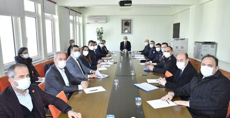 Keşan Belediye Başkanı Mustafa Helvacıoğlu, vatandaşlardan 3 gün gönüllü karantinaya girmelerini istedi