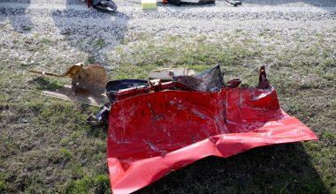 Otomobille kamyon çarpıştı; 2 ölü