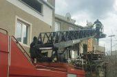 Merdivenleri çöken evde mahsur kalanları itfaiye kurtardı