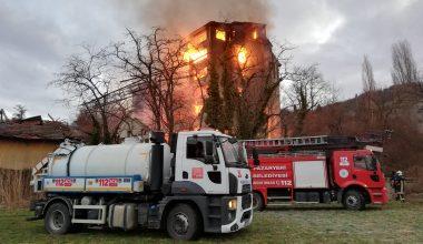 Eski un fabrikasında çıkan yangın söndürüldü