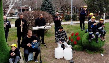 Su borusu, bidon ve damacanayı enstrüman yaparak Dünya Su Günü'ne özel klip hazırladılar