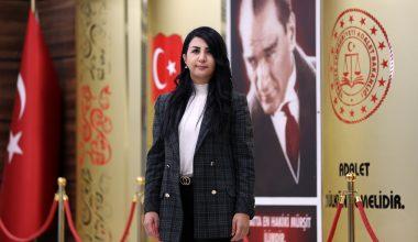 Türkiye'nin üç kadın başsavcısından biri olarak görevini sürdürüyor