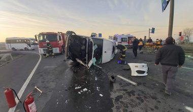 Minibüsle hafriyat kamyonu çarpıştı: 6 yaralı