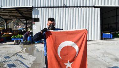 Zabıta, Türk bayrağını yerde bırakmadı