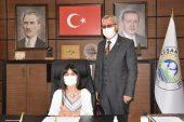 Helvacıoğlu, koltuğunu Benay'a devretti