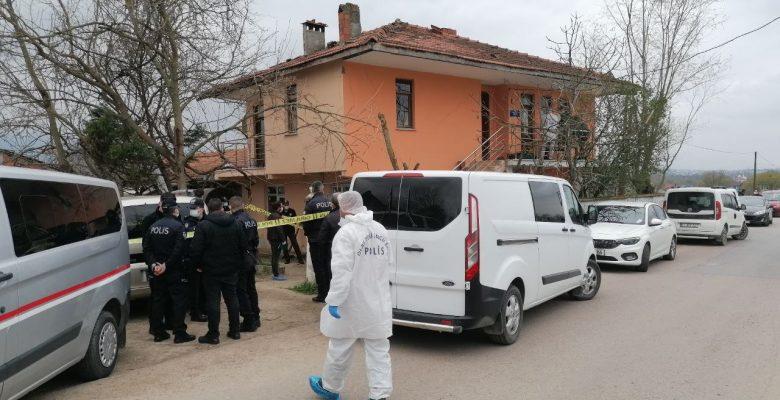 85 yaşındaki yaşlı adam, evinde bıçaklanarak öldürüldü!