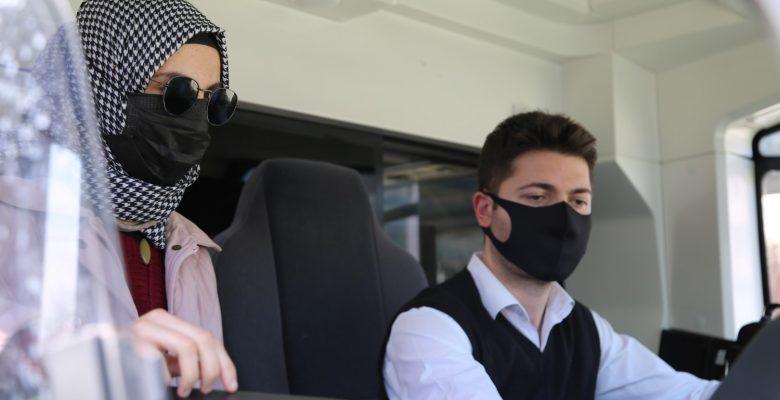 """Kocaeli'nde """"özel öğrenci"""" Fehime'nin vatmanlık hayali gerçek oldu"""