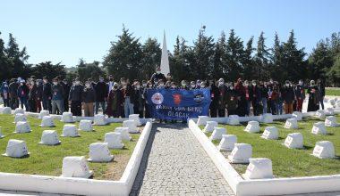 160 öğrenci şehitlikleri ziyaret etti