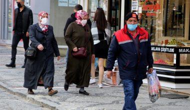 """Edirne'liler """"eş-dost"""" ziyaretleri yapanlara sitem ediyor"""