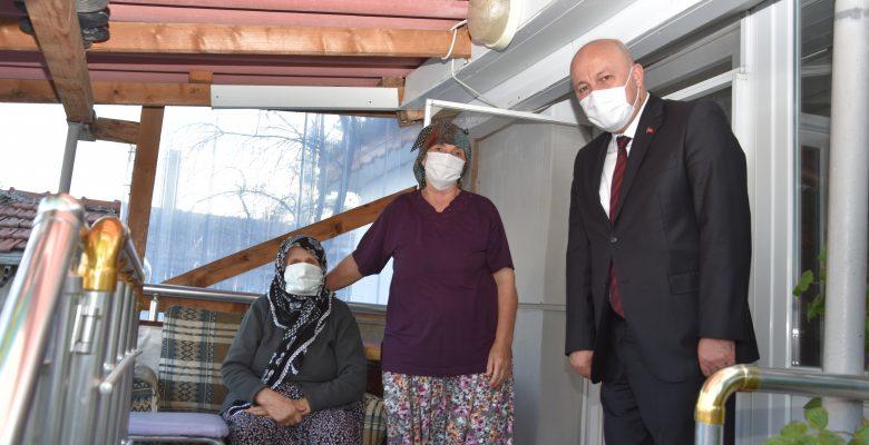 Hayrabolu Belediye Başkanı İnan, şehit ailelerini ziyaret etti