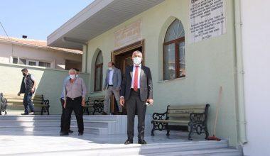 Vali Bilgin, yeni yapılan köy camisinde incelemede bulundu