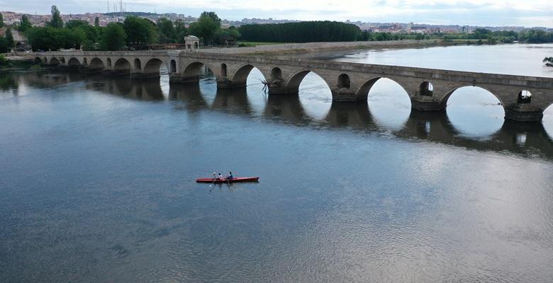 Kürek sporunda Meriç Nehri tam not aldı