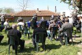 Roman dernek başkanları, hayatını kaybeden Piyade Er Sarmaşık'ın ailesini ziyaret etti