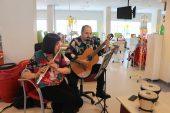 Gönüllü gençlerden kanser hastalarına moral konseri