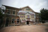 Vali Bilgin, restore edilen gar binasında incelemede bulundu