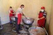 Köy meydanında kurban eti ikramı geleneği…