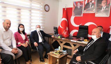 Bakan Varank, MHP İlçe Başkanlığını ziyaret etti