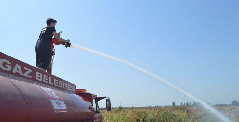 Lüleburgaz'da çıkan ot yangını büyümeden söndürüldü!