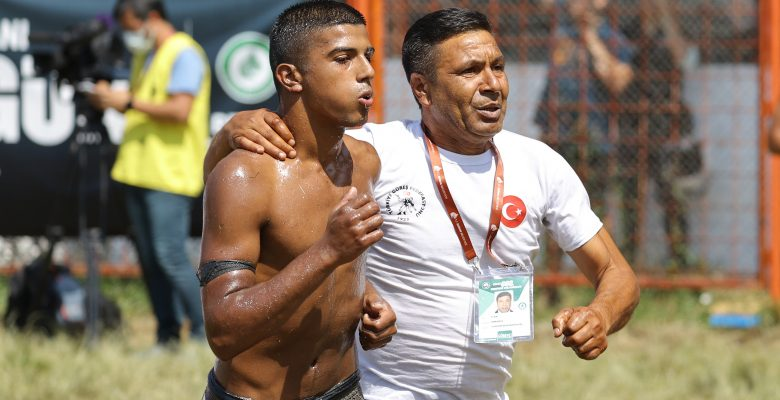 Edirne'li pehlivan Gümüşdağ, Tedaş Spor Kulübü'ne transfer oldu