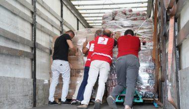 Türk Kızılay Edirne Şubesi yangın bölgelerine 1 tır dolusu yardım
