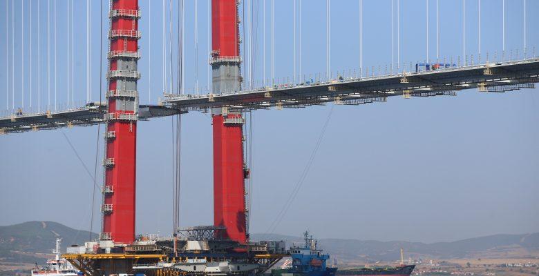 Köprünün tabliye montajları tamamlanma aşamasına geldi