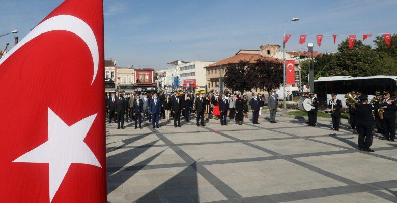 Edirne'de İlköğretim Haftası törenle kutlandı
