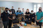 Keşan'daki okulların bilgisayarların kurulumunu gerçekleştirdiler