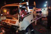 Tırla çarpışan kamyonetin sürücüsü yaralandı