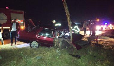 Elektrik direğine çarpan sürücü ağır yaralandı
